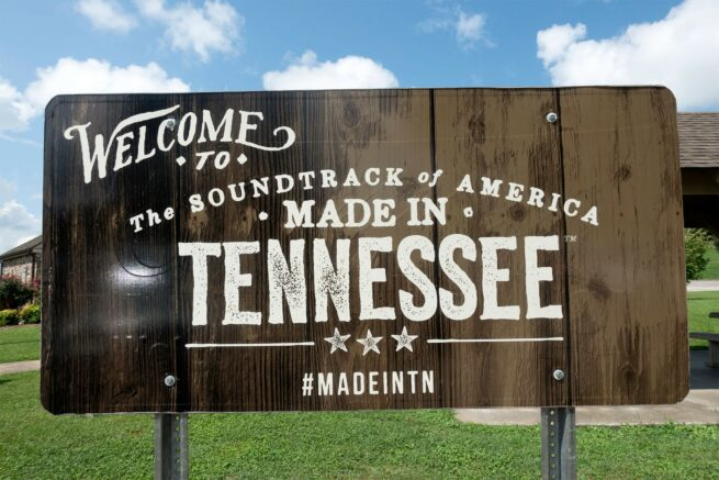 tennessee pays tourists 047